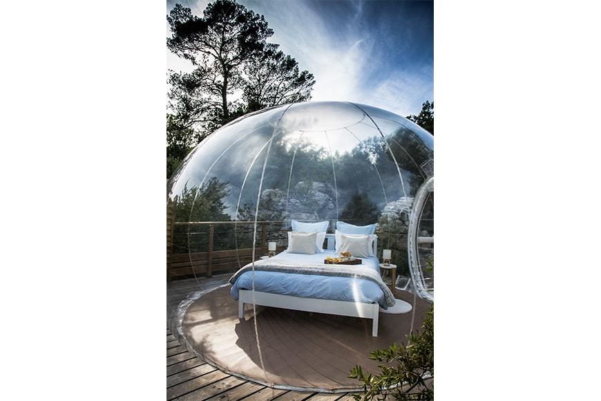 La bienveillante bulles des bois - Dormir dans des bulles ...