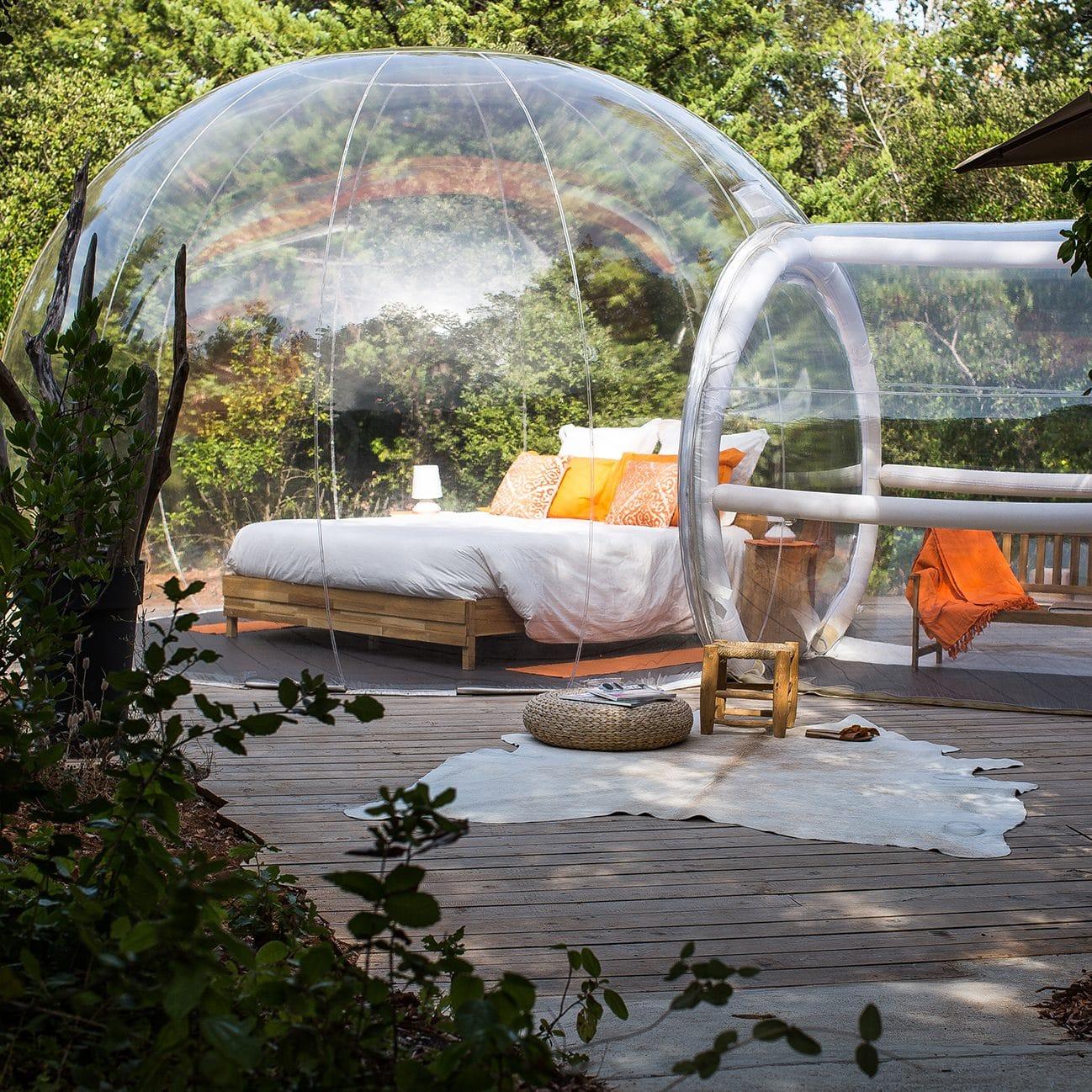 dormir dans des bulles bulles des bois dormir dans une bulle nuit insolite la bienveillante. Black Bedroom Furniture Sets. Home Design Ideas